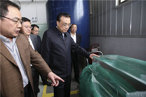 Premier visits Institute of Crystal Materials Shandong University